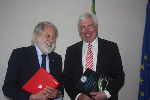 Lord Puttnam meets Minister White