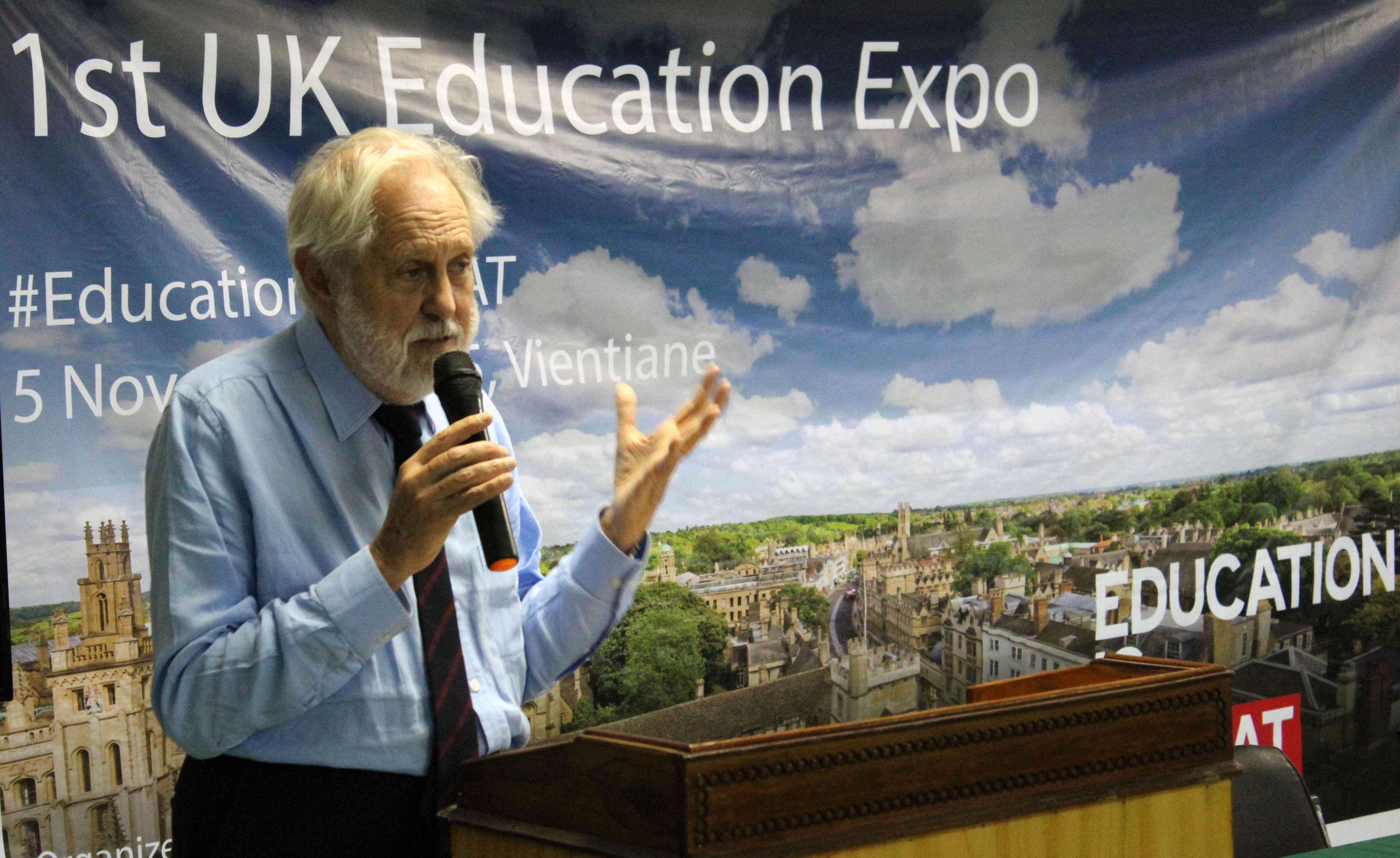 uk shows the best of its education sector in official held an inspiring guest lecture at the national university of before opening the first ever uk education expo in at vientiane college
