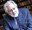 David Puttnam talks to the high school students about education development