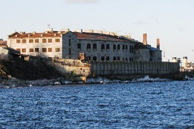 Lord Puttnam considers Patarei Sea Fortress for Arctic 30 Film
